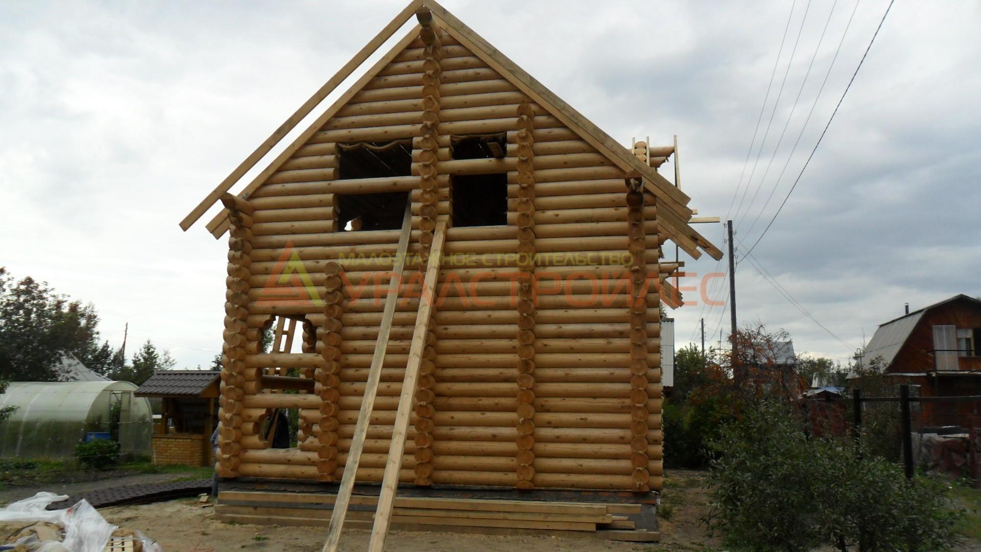 Проект №19, двухэтажный дом 10.2х6.2, общая площадь 57,5 кв.м. (диаметр бревна 240)